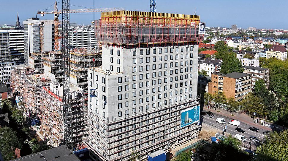 Gebäude des Steindamm 100 mit den PERI RCS Schalungsgerüsteinheiten.