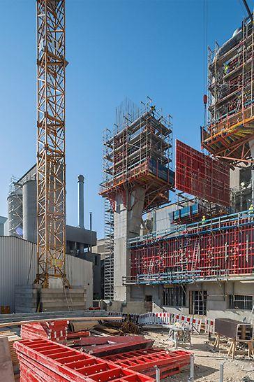 Die Schalungs-, Bewehrungs- und Betonierarbeiten für alle anderen vertikalen und horizontalen Bauteile finden aufgrund der knappen Bauzeitvorgabe parallel zur Stützenherstellung statt.