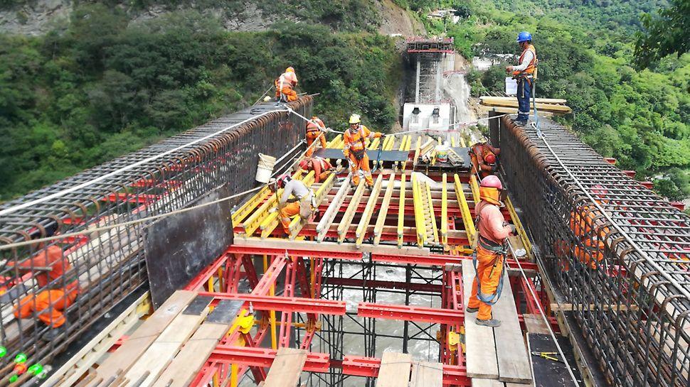 Puente Maranura, Cusco, Alhpakit, Vigas GT 24