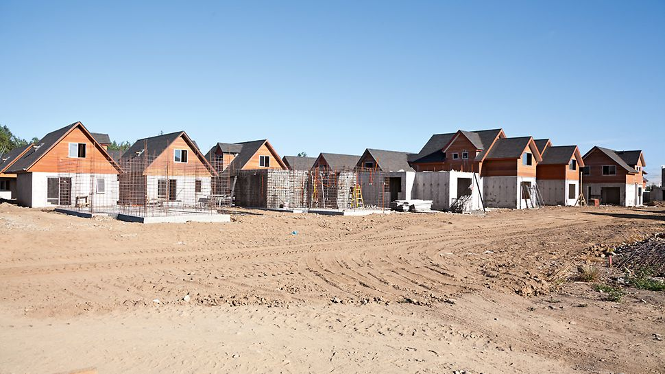 Construction of the housing complex Los Portones de Linares, Chile