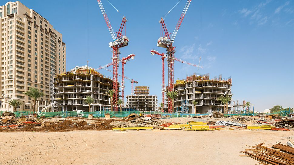Construction of the residential towers with 17 to 21 floors with limited crane capacity