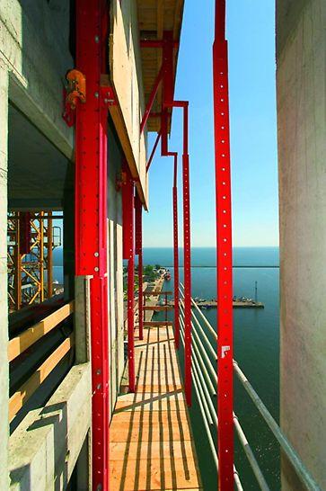 Sea Towers: przestawianie osłon RCS za pomocą napędów hydraulicznych znacząco przyspieszyło przebieg całego procesu i nie angażowało żurawia