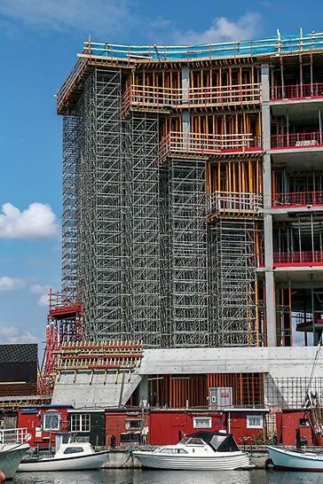 Der Einsatz von PERI UP Flex half dabei, die komplexe Gebäudestruktur zu realisieren. Dank der PERI Wandschalung VARIO GT 24 wurde zudem eine hohe Sichtbetonqualität erzielt.