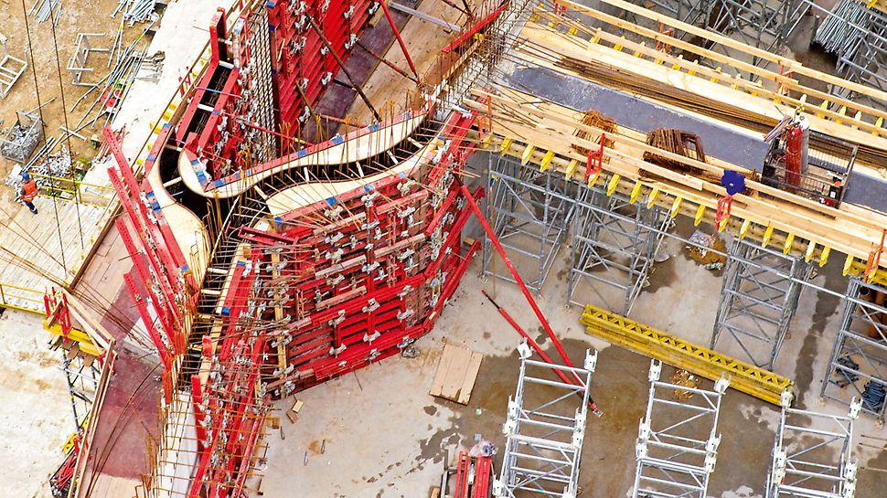 Temple of Divine Providence, Warsaw, Poland - Accurately dimensioned pre-assembled special elements within TRIO panel formwork for forming the curved building geometry.
