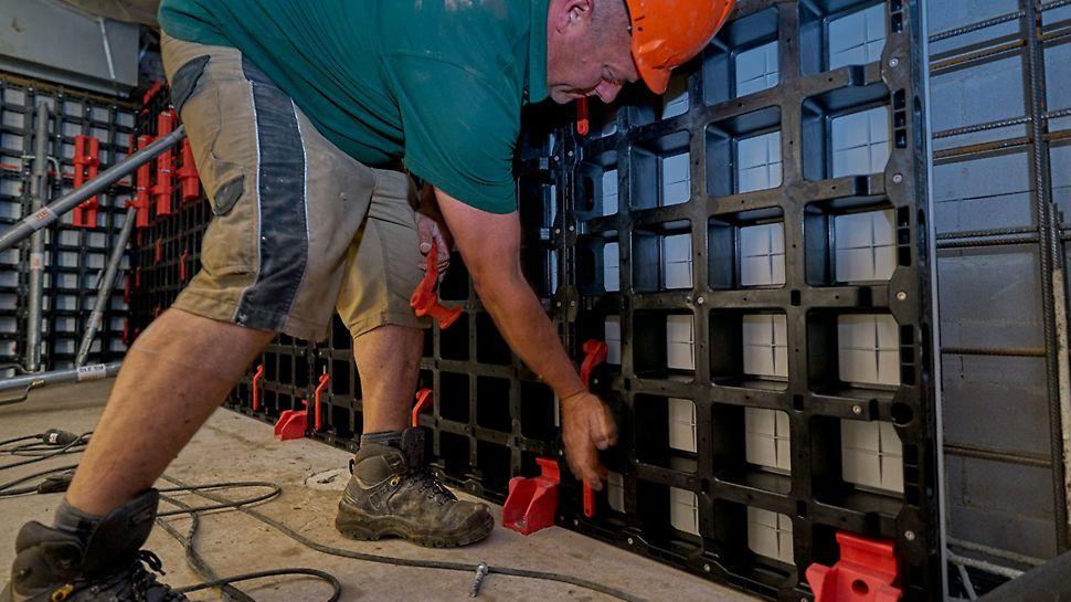 Door het lichte gewicht is DUO bekisting heel handig voor de renovatie van kelders.