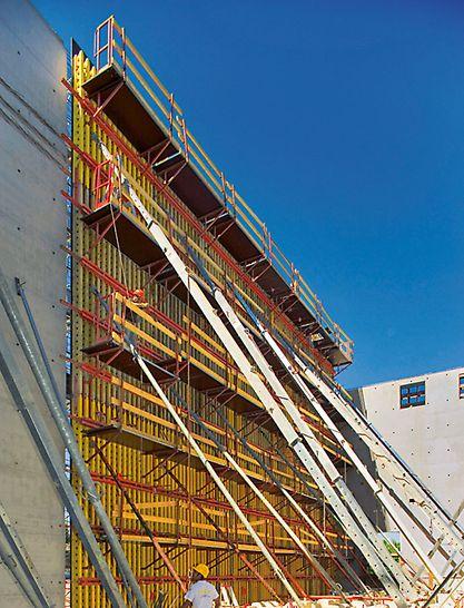 GT 24 -palkeilla saadaan toteutettua jopa 17,80 m korkeat seinämuotit.