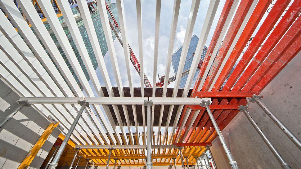 Hotel Mélia, La Défense: Stropy byly zhotoveny s pomocí stropního roštového bednění GRIDFLEX. Protože jsou všechny komponenty usazovány z danného podlaží, je zajištěna zcela bezpečná montáž.