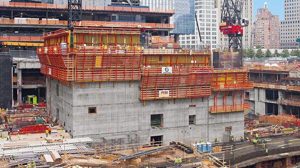 Optimálne riešenie pre vonkajšie steny jadra tejto budovy s rozmermy 47m x 43m predstavuje variant ACS R.