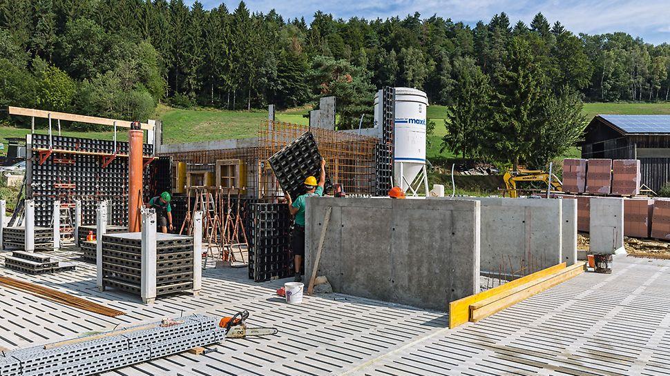 Mit einer minimalen Anzahl unterschiedlicher Systembauteile lassen sich mit der DUO Wände, Brüstungen, Fundamente und Säulen schalen. Mit nur wenigen Zusatzbauteilen könnte die DUO auch als Deckenschalung eingesetzt werden.