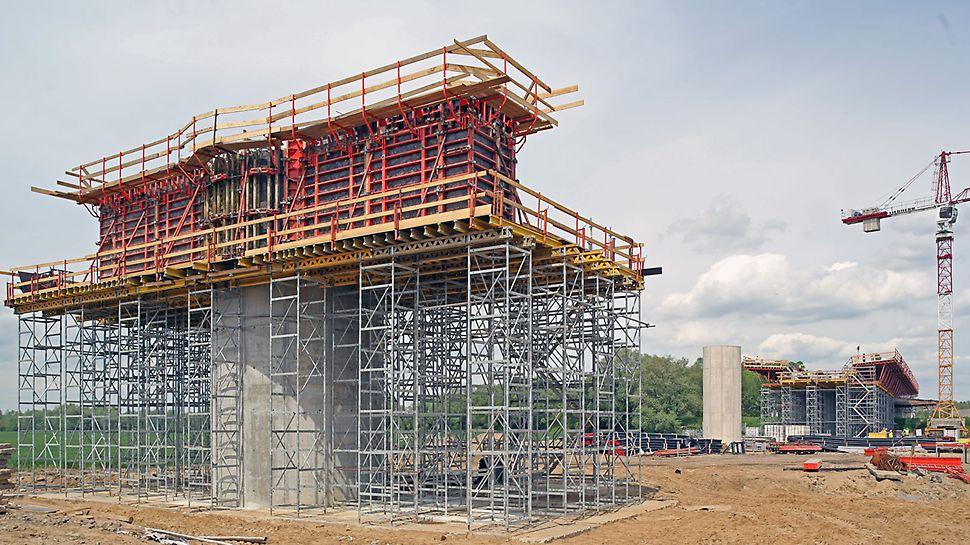 Zdjęcie: Wydajne i bezpieczne formowanie elementów estakad dojazdowych mostu MD7