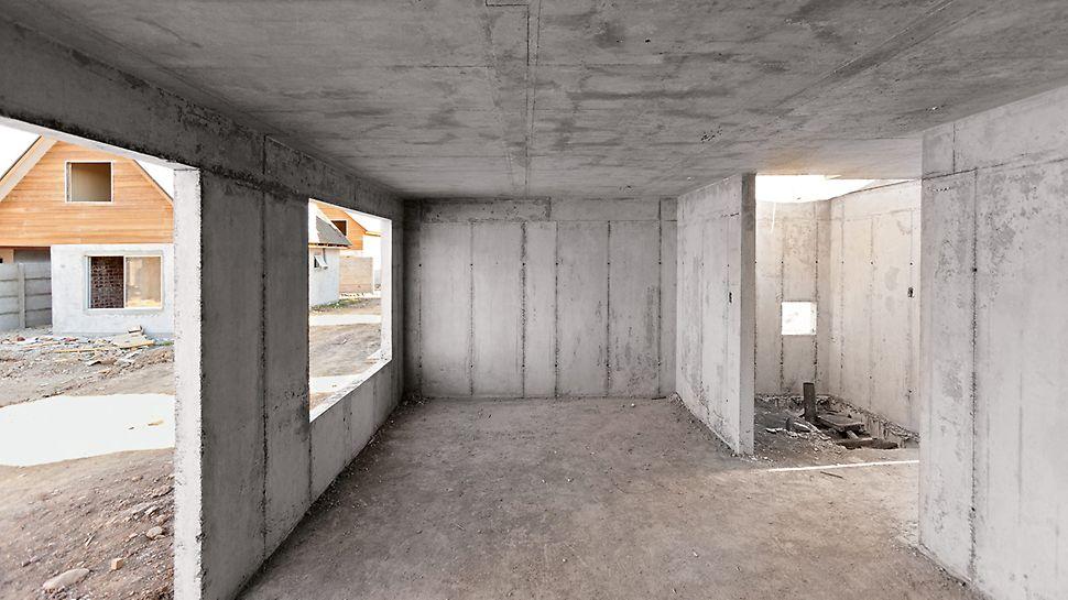 Wohnsiedlung Los Portones de Linares, Chile- Streichfertige Betonflächen von Wand und Decke eines monolithischen Hausbaus.