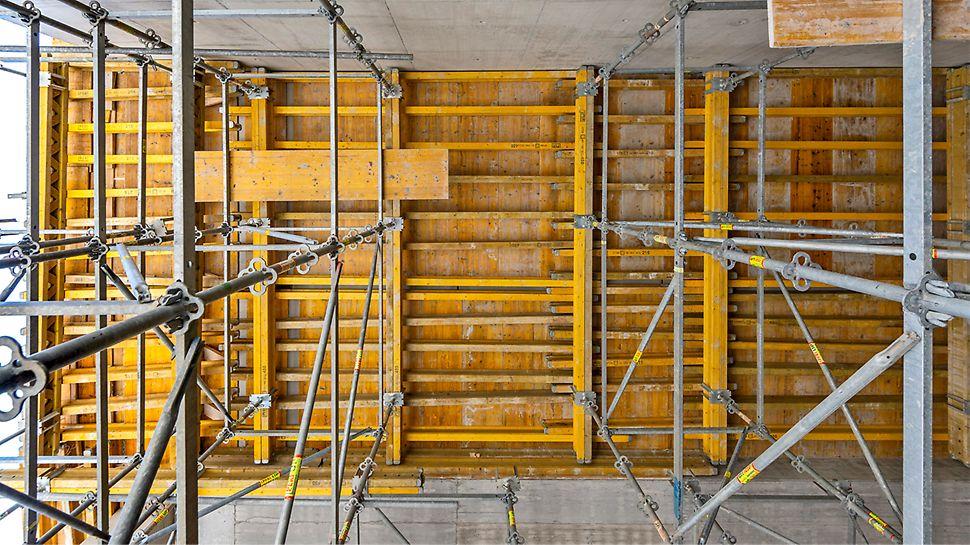 Wysokie podparcia stropów o ciekawej geometrii wykonane przy użyciu bezpiecznego w użytkowaniu systemu PERI UP Flex.