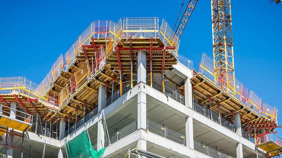 System bezpieczeństwa PROKIT z możliwością systemowego podwyższenia obarierowania w postaci siatek PERI do wysokości 175 cm.