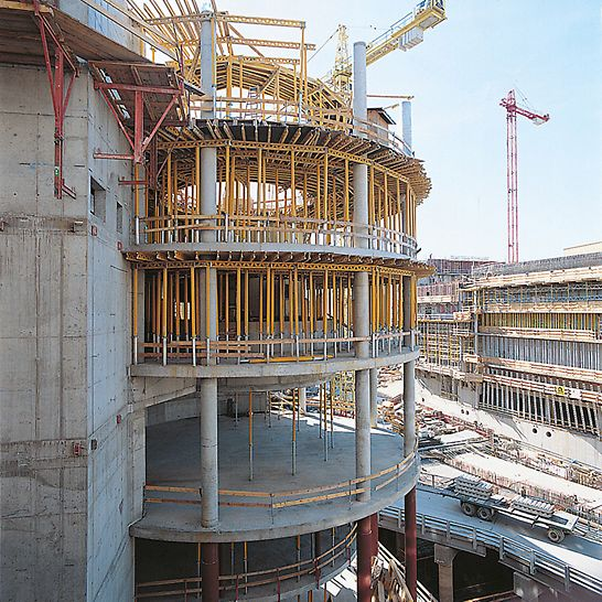 Potsdamer Platz, Berlin, Germany - Highly adaptable MULTIFLEX slab formwork with GT 24 girders.
