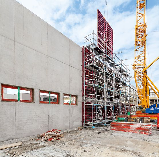 Used without anchors and ballast in front of formwork and walls