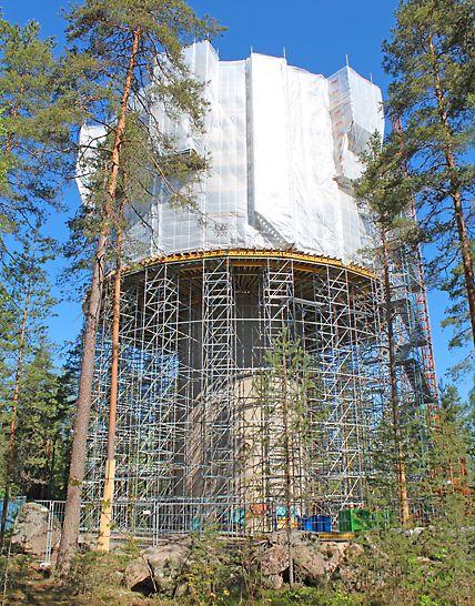 Vesitorni sijaitsee luonnonsuojelualueella, mikä lisäsi projektin haastavuutta.