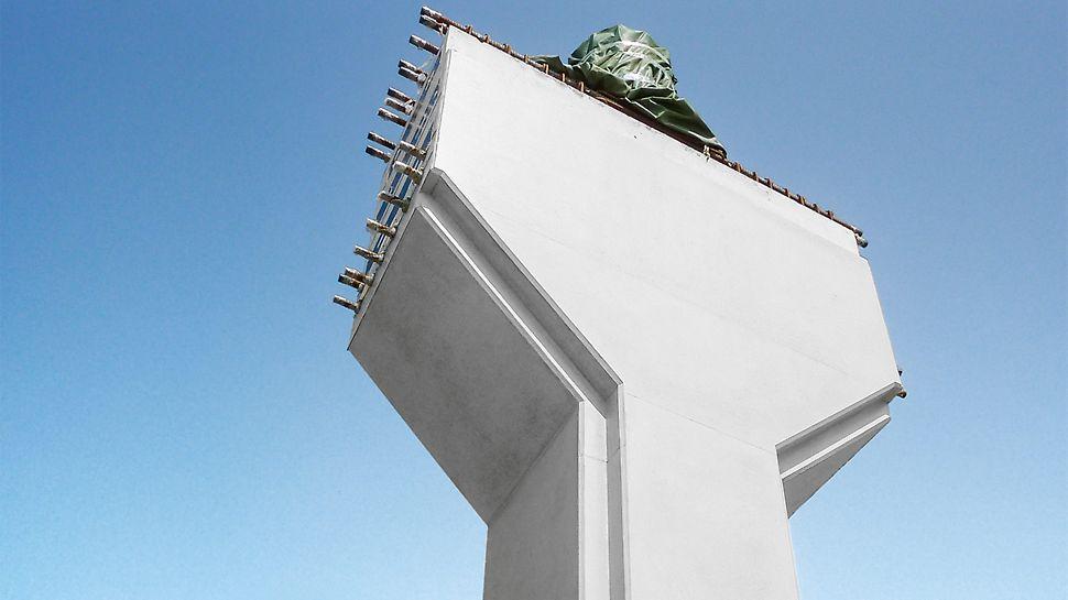 Pro provádějící tým bylo zhotovení tak kvalitního pohledového betonu zcela nové. Dva supervizoři PERI proto pomáhali v průběhu celé výstavby vedení projektu se zajištěním kvality přímo na stavbě.