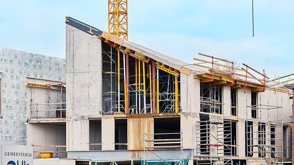 Quatre voiles devaient pouvoir supporter la toiture à torsion particulière. Et pas question d'utiliser des prédalles. Avec VARIODECK, PERI a fourni une solution sur mesure adéquate.