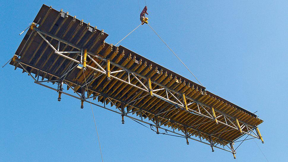 Marina Bay Sands, Singapur - Mit dem PERI SKYTABLE werden mit nur einem Kranhub 100 Quadratmeter Deckenschalung schnell und sicher umgesetzt.