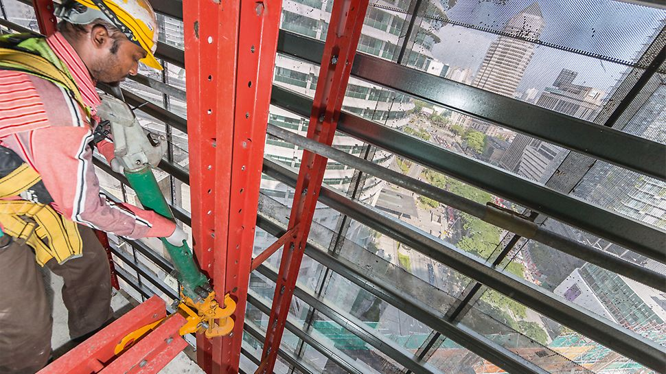 Limited crane capacity is very often the limiting factor in constructing high-rise buildings. Through the use of the mobile self-climbing devices, with which the RCS Climbing Protection Panel was lifted to the next floor without the use of a crane, meant the required crane time at the Four Seasons Hotel could be minimized.