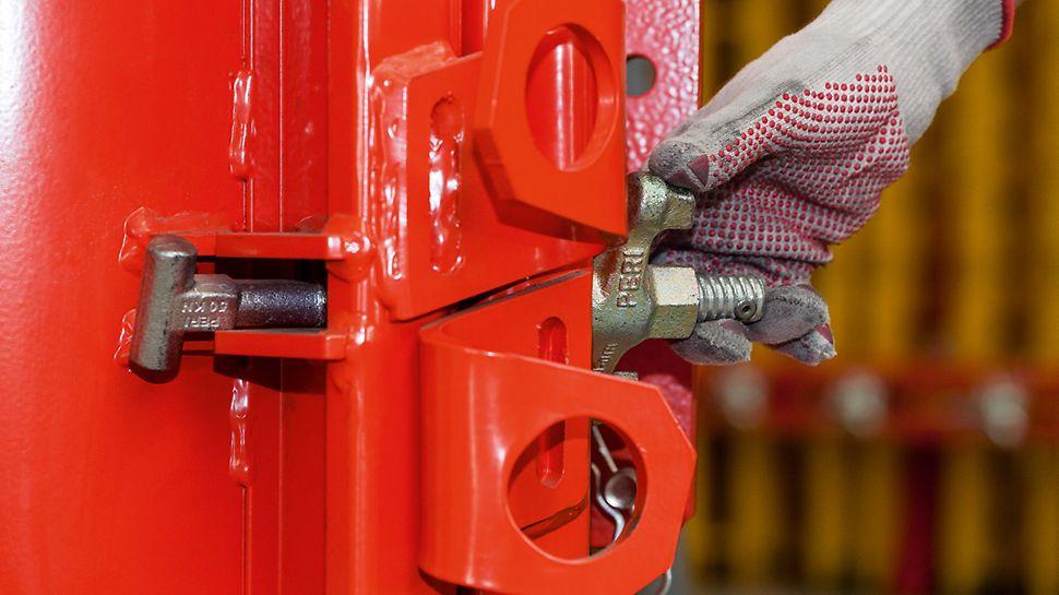 Стягнуті гвинти з самоочістним різьбленням інтегровані в сталеві елементи опалубки і не можуть бути загублені в процесі роботи.