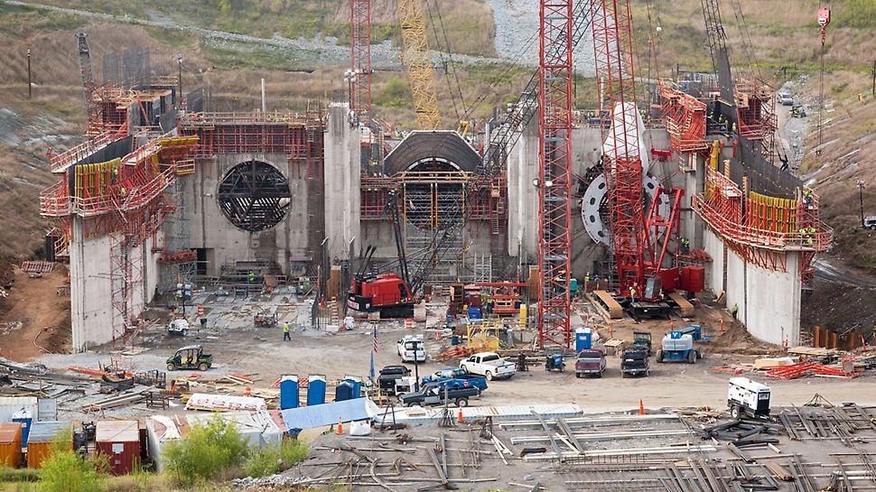 Vodní elektrárna Smithland: Vodní elektrárna Smithland bude vybavena třemi turbínami. Vzhledem k napjatému termínu jsou všechny tři tubusy se stále se měnícím půdorysem vyráběny zároveň.