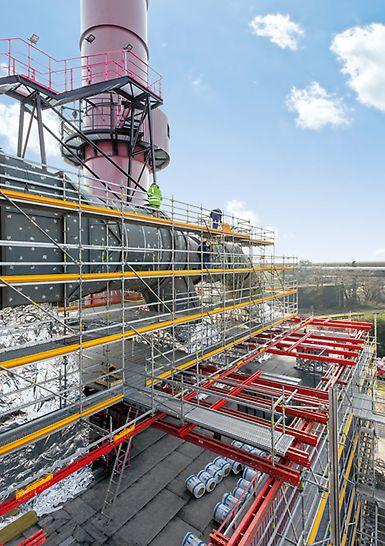 Einsatz vom PERI UP Rosett Flex und den VARIOKIT Systembauteilen bei Isolierungsarbeiten an der Entstaubungsanlage des Hochofens 9.