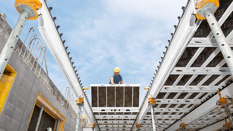 Die systematische Montagefolge und die geringen Einzelgewichte der SKYDECK beschleunigten den Baufortschritt.