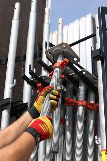Ideale Anordnung von Bauteilgruppen beim PERI UP Easy Gerüstanhänger