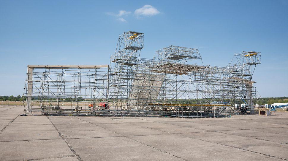 Festival Let it roll, Milovice: Modulový systém PERI UP Rosett pro vytvoření konstrukce.