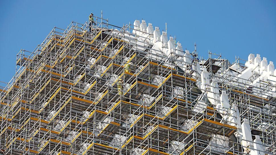 Horizontály a podlahy v různých délkach dovolují optimální přizpůsobení tvaru budovy při zachování požadované únosnosti.