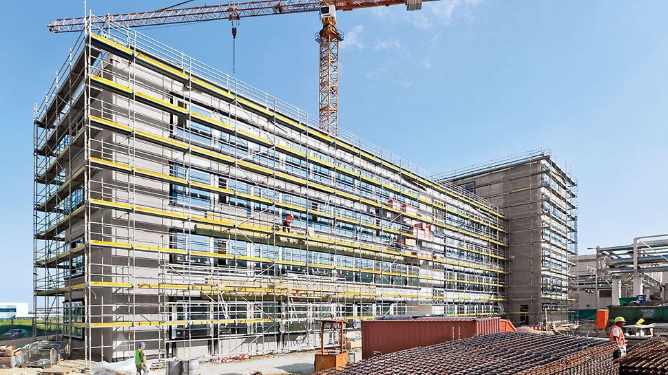 Schelă de lucru cu cadru T PERI UP T72,T104: Exemplu de aplicare: șantier în Ingolstadt, Germania.
