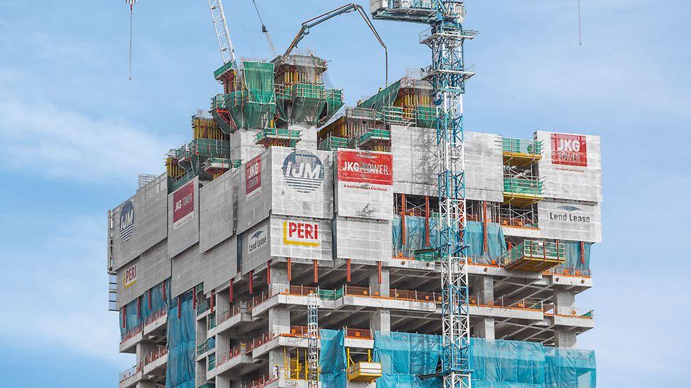 JKG Tower, Jalan Raja Laut, Kuala Lumpur: Jako kompletní opláštění vždy třech nejvýše položených pater hrubé stavby sloužila šplhavá ochranná stěna RCS P. Kromě toho se také používala jako reklamní plocha.