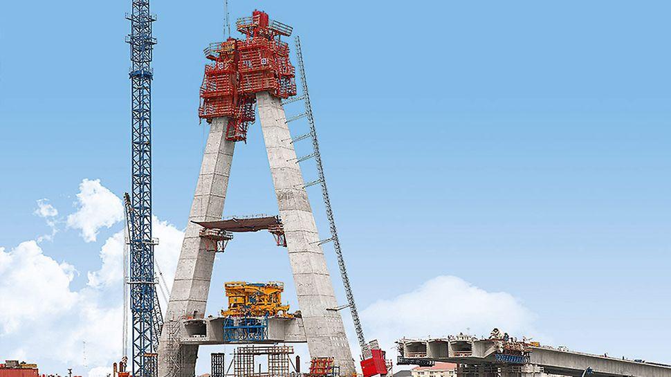 Für die Herstellung dieses 90 m hohen Pylons wurden die Klettersysteme RCS und ACS kombiniert.