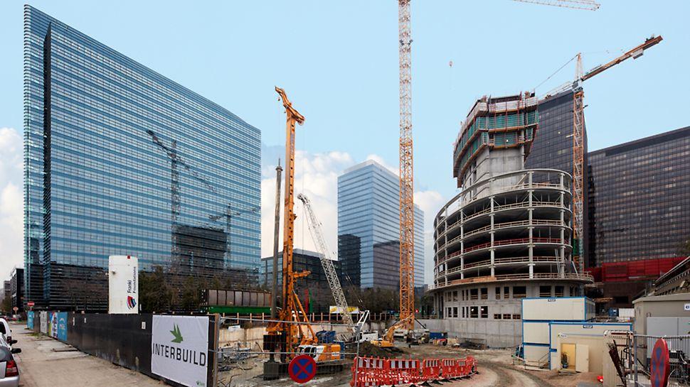 Le bâtiment elliptique compte 20 étages et est 90 mètres de haut.