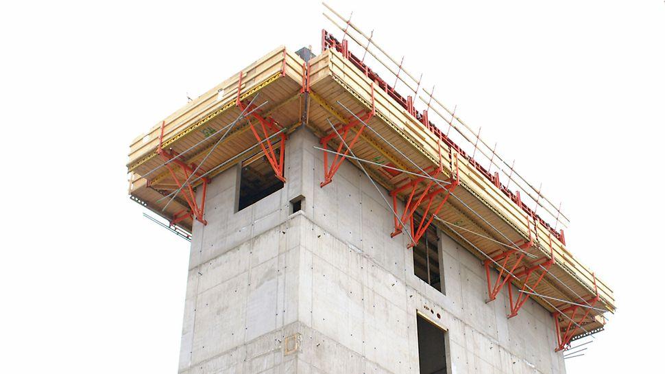 CB 240 –kiipeävä työtasojärjestelmä toimi työtasona kuiluissa.