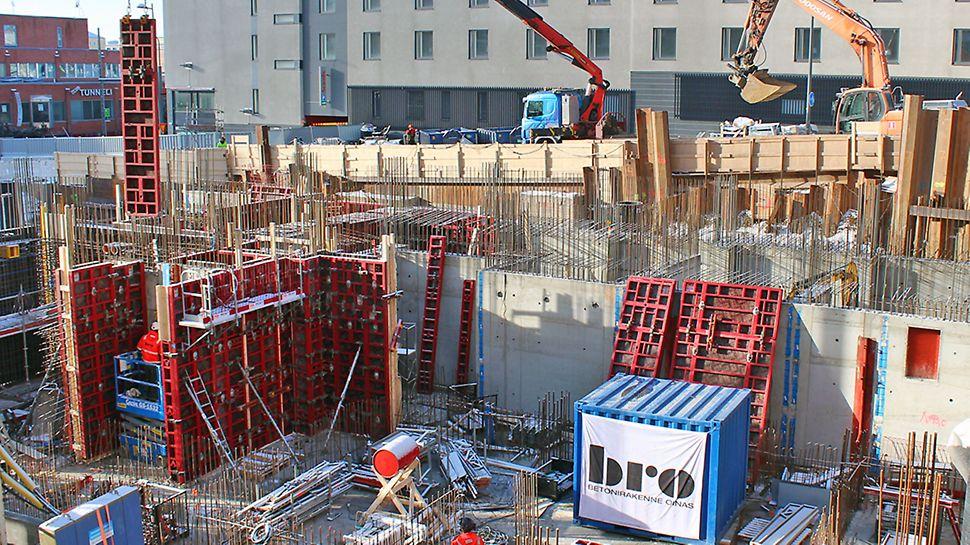 Alimmat paikallavaluseinät on Luminaryssa jopa 600 mm paksuja, kun 21 kerroksen korkeudelta kertyy kuormitusta perustuksiin.