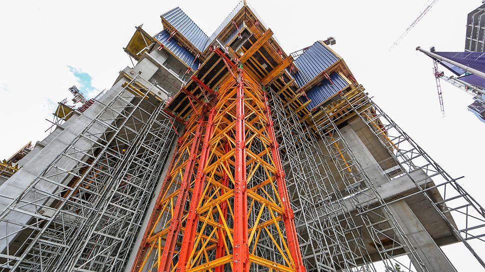 System wież wysokonośnych PERI VST o nośności jednej wieży do 280 ton.