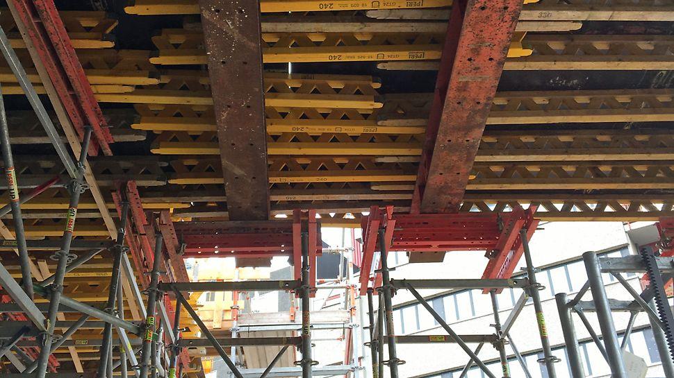 Madkulturhuset:  GT 24 dragere som strøer på HDT-Stålbjælker understøttet af PERI UP understøtningstårne med SRU udvekslinger