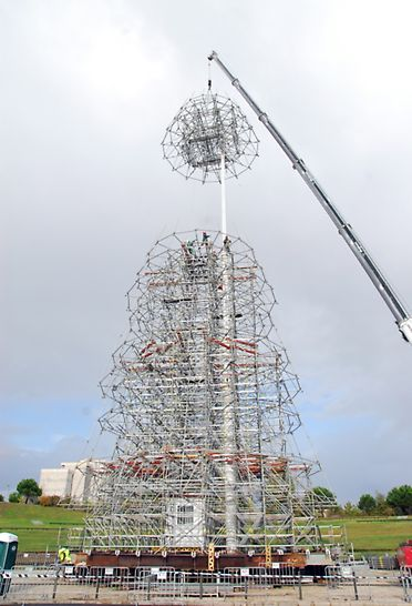 Árvore de Natal l Lisboa - Montagem: Elevação dos troços