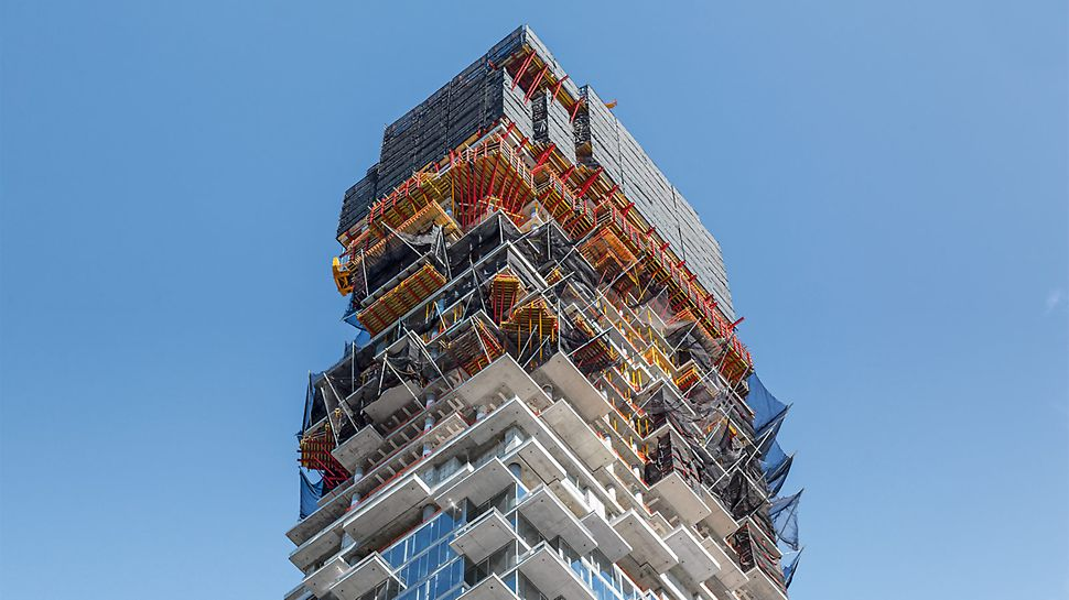 Offset-arranged floors and countless cantilevered balconies required a detailed formwork and enclosure concept.