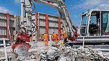 RCS süsteemiga viidi materjalid iga korruselt ära, kasutades väiksed lammutusekskavaatorid.   (Foto: PERI GmbH)