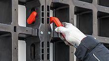 PERI DUO benötigt weder in der Montage noch im Baubetrieb einen Kran oder andere maschinelle Transport- und Aufbauhilfen. Durch ihr leichtes Gewicht, ihre einfache, nahezu werkzeuglose Montagetechnik und intuitive Handhabung lässt sie sich schnell, leise und sicher aufbauen.