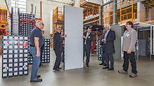 Insbesondere die universelle Leichtschalung DUO in Verbindung mit dem neuartigen Technopolymer-Werkstoff fand großes Interesse bei den Baubetriebsexperten.