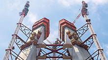 Třetí most přes Bospor, Istanbul, Turecko - Dva nakloněné mostní pilíře tvaru A bosporského mostu rostou společně se šplhavým bednicím systémem PERI ACS do výšky více než 300 m.