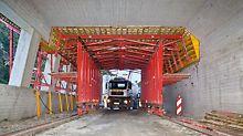 Galerija Marchlehner, Sölden, Austrija - PERI koncept oplate sastoji se od 13,50 m dugačkih kolica za montažu stropa s otvorom za prolaz širine 3,00 m i 4,50 m visine koji omogućuje kontinuiran promet na gradilištu.
