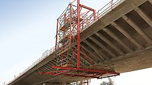 The versatility of the system components of the VARIOKIT and PERI UP Flex scaffolding means that they can be used in a huge range of applications. A VARIOKIT and PERI UP Flex suspended scaffold was used for the finishing works.