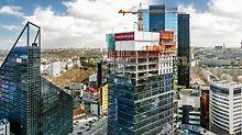 Maakri kvartali kõrval asuvad Tallinna suuremad ärihooned: Tornimäe Ärikeskus, City Plaza, Euroopa Liidu hoone, SEB hoone, Rävala Ärikeskus, Novira Plaza ja kaks hotelli - Radisson Blu Sky ja Swissôtel. (Foto: PERI GmbH)