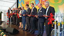 Officiële opening van steigerfabriek in Günzburg / Bavaria