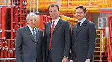 Unternehmensgründer Artur Schwörer (verstorben 2009) übergibt 2007 die Führung des Unternehmens an seine beiden Söhne Alexander und Christian.